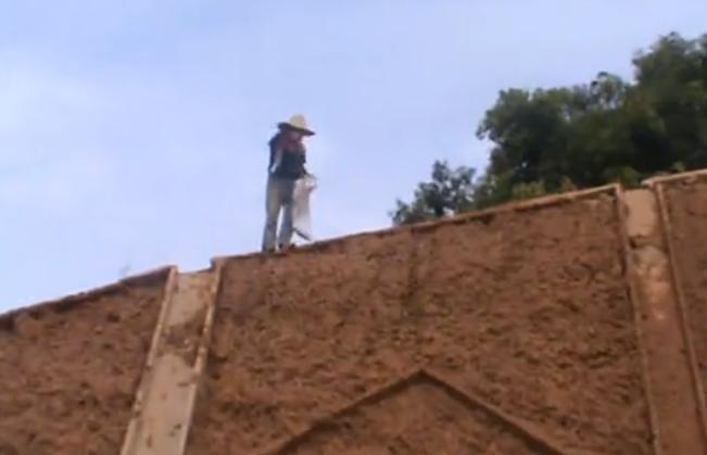 边坡绿化工程施工过程——客土泵湿喷接管